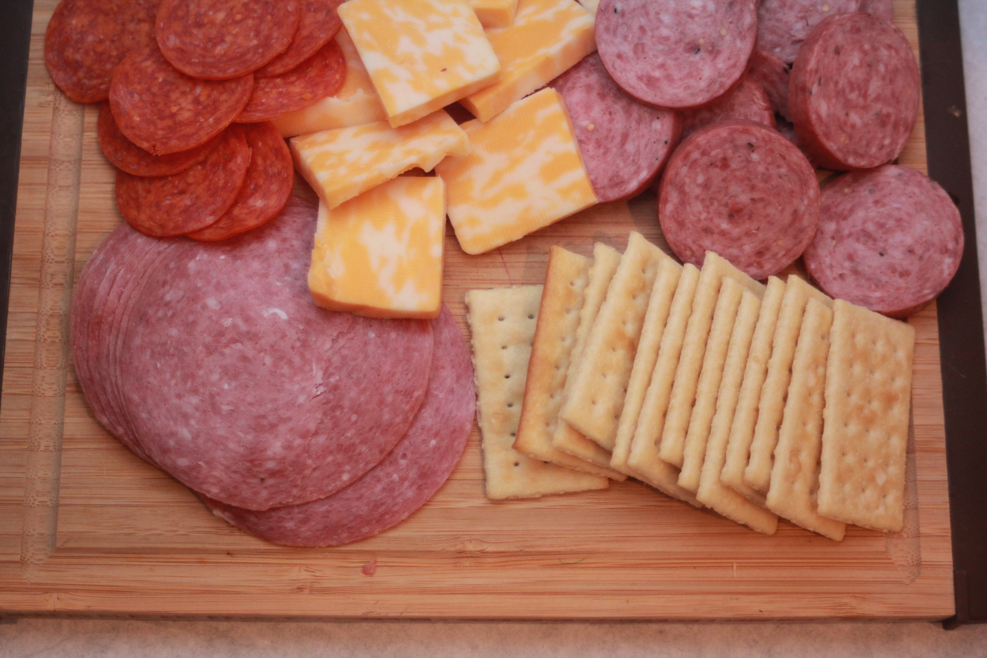 Meat & Cheese Crackers « Bachelor Cooking